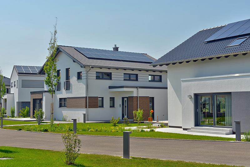 Jedes fünfte neue Fertighaus wird mit einer Photovoltaikanlage ausgestattet © BDF/ Emiliyan Frenchev