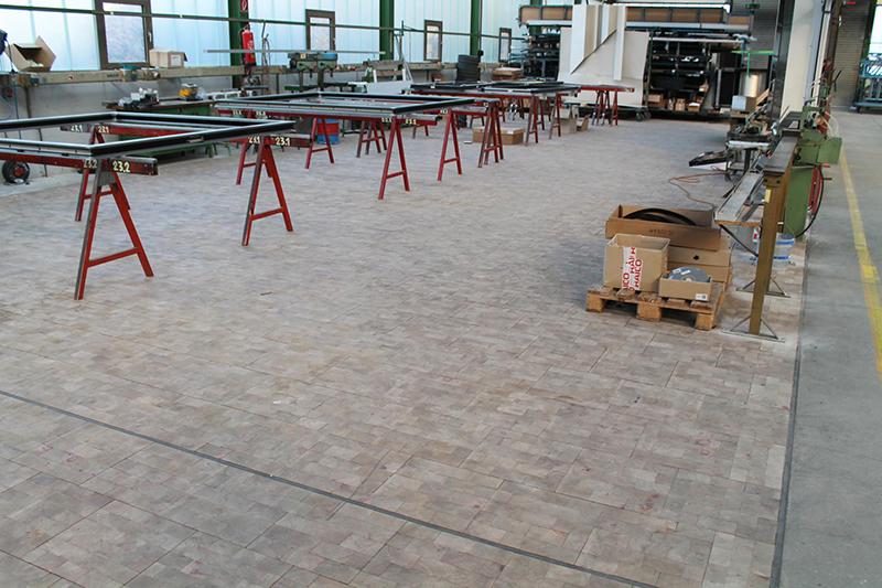 Holzpflasterklötze für den Industrie- und Gewerbebereich © FH/Tekton Holzpflaster