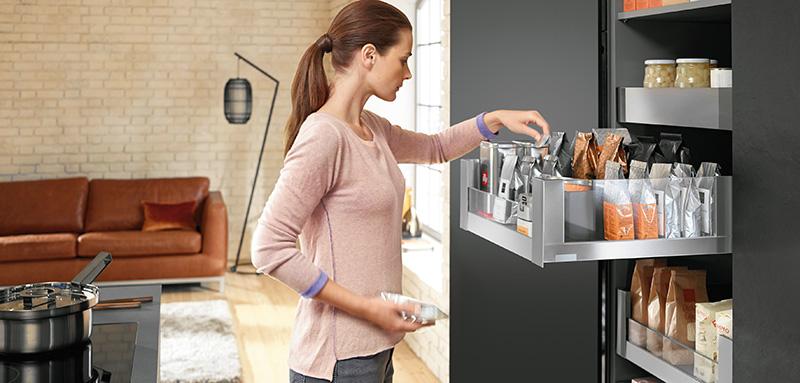 Das Aufräumen fällt in der modernen Küche leicht © AMK