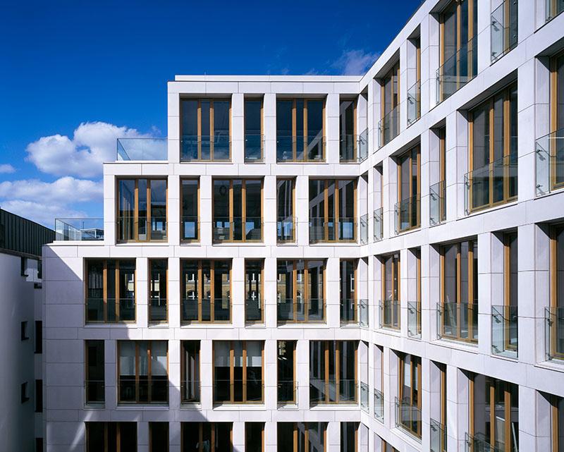 Fenster aus Aluminium und Kunststoff © VFF/GUTMANN Bausysteme GmbH